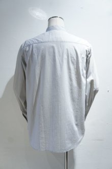 他の写真1: STILL BY HAND STRIPE BAND COLLAR SHIRT(GREY/BLUE)