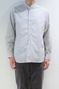 STILL BY HAND STRIPE BAND COLLAR SHIRT(GREY/BLUE)