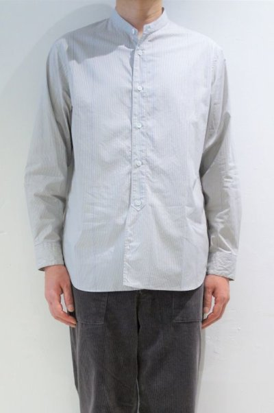 画像1: STILL BY HAND STRIPE BAND COLLAR SHIRT(GREY/BLUE)