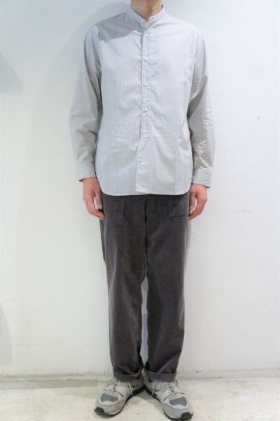 画像2: STILL BY HAND STRIPE BAND COLLAR SHIRT(GREY/BLUE)