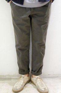 ORDINARY FITS TUCK TROUSERS(GRAY)
